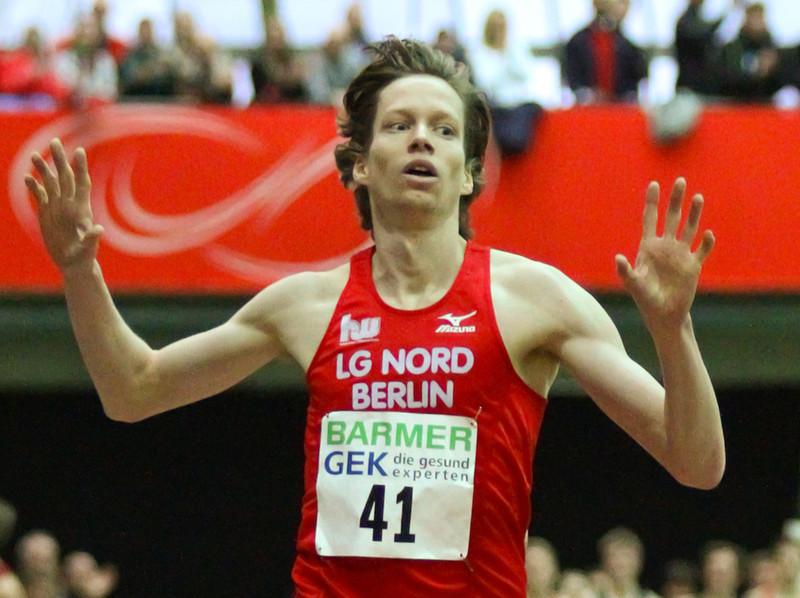 Carsten Schlangen gewinnt über 3000m bei den Deutschen Hallenmeisterschaften 2013